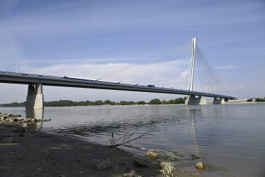 Rövidhír: Lezárták a Monostori hidat