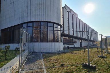 Elkezdődött a Komáromi Jókai Színház felújítása