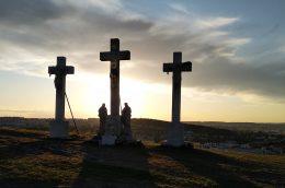 Nagypénteken Jézus kereszthalálára emlékezünk